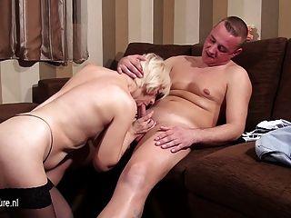 성숙한 매춘부 엄마 빠는 및 그녀의 엉덩이를 망할