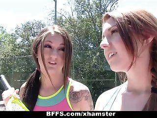bffs 테니스 여름 캠프 단 정치 못한 남자!