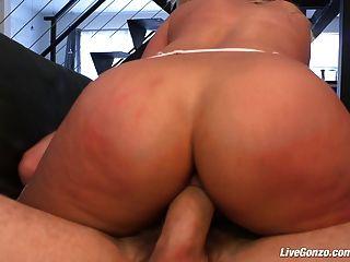 livegonzo bridgette b 섹스를 즐기는 busty babe