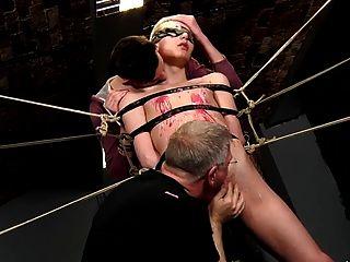 노예 소년 묶여 여러 번 저크.