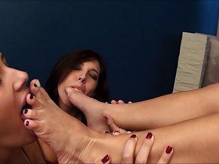 나는 발을 보스 싶다.