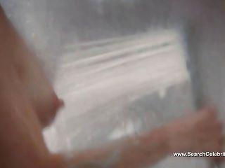 줄리아 누에르 누드 샤워 장면 클로이 (2009)