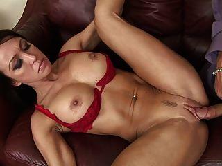 섹스를 좋아하는 40 세 섹시한 여자