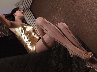 섹시 한 옷 v1에 아시아 글 래 머 아름 다운 젊은 여자