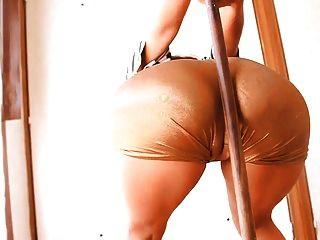 놀라운 엉덩이 \u0026 cameltoe와 busty latina 십대!완벽한 몸!