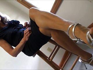 나일론 피트와 strappy 발 뒤꿈치가 매달려과 발바닥