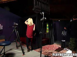 부부는 첫 번째 포르노를 플레이 보이 TV와 함께 만든다.