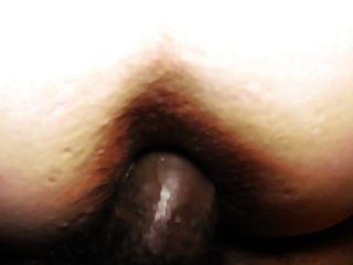 그녀의 하얀 엉덩이에 bbc