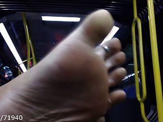 버스에서의 솔직하고 솔직한 발