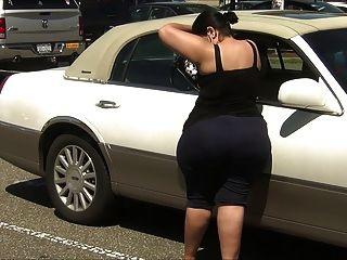 엄청난 엉덩이와 스판덱스의 슈퍼 두꺼운 라티 나 milf!