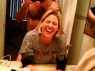 그녀가 엉덩이에 걸린 거지.