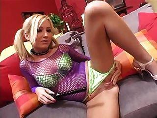 hillary 장난감 그녀의 음부와 엉덩이