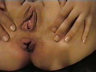 페기는 그녀의 뚱뚱한 항문이 침투되기를 원한다.