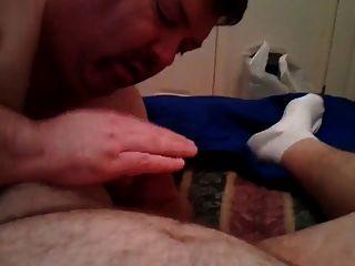 아빠가 거시기를 빨고 정액을 먹는다.