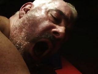 마른 남자는 뚱뚱한 남자를 엿 먹어.