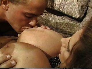 리사 lipps 뜨거운 가슴 아픈 베이비