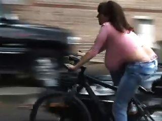 자전거 행거