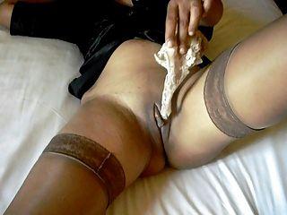 스타킹과 발 뒤꿈치에 섹시한 다리