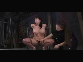 굴욕과 처벌 레즈비언 bdsm 노예