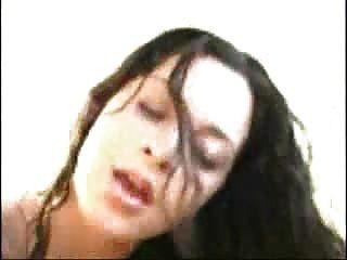 섹시한 여자가 망할 얼굴을 가져옵니다.