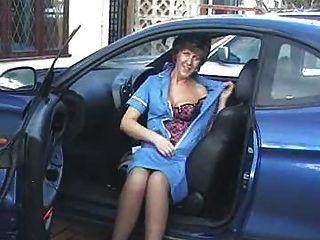 간호사 인 차에 탄 새라