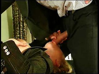 젊은 남자 사무실 여자 항문 섹스.