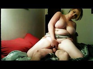 그녀의 남자 친구와 함께 bbw는 침대에 젠장.