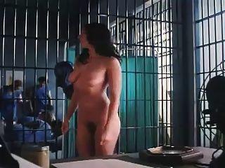 여자 교도소에서 벗다