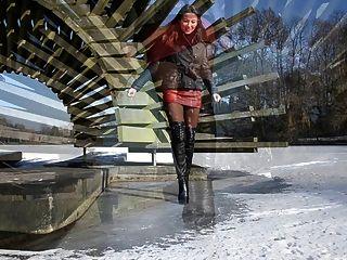 완전히 가죽 : 하이힐 부츠에서 얼음으로 걷기