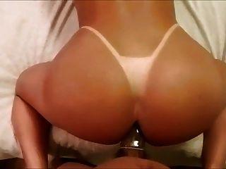 뜨거운 여왕 그녀의 엉덩이를주고