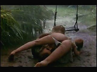 비 \u0026 진흙 속의 섹스 장면