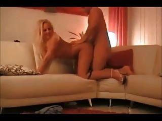 진짜 수제 섹스 테이프에 뜨거운 금발 아내