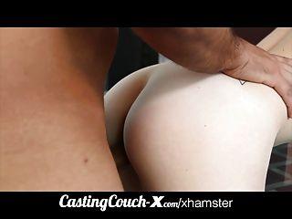 castcouch x cali coed는 처음으로 포르노를 시도합니다.