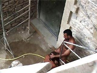 프랑스 남자가 섹시한 아랍 밖에서 섹스