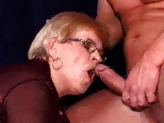 엄마와 소년 152