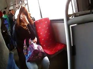버스에서 거시기를 깜박입니다.