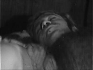 궁금한 사람들.장면 01. (1960 1970)