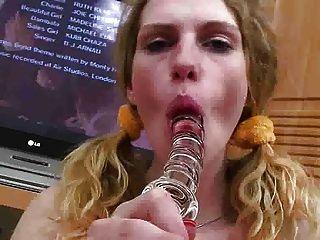 그녀의 유리 dildo fm14를 사용하여 티나