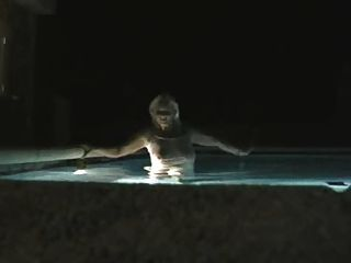 에베레스트 동영상은 마요르카에 수영장입니다.