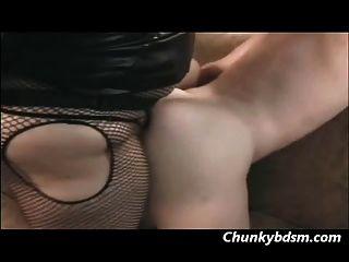 베티 분노가 엉덩이에 그녀의 남자 잠수부 섹스