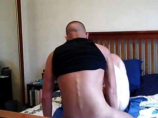 이 녀석은 엉덩이가 깊어.