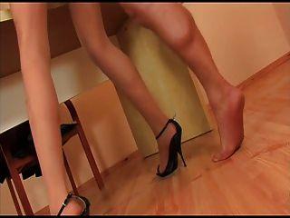 검은 발 뒤꿈치 팬티 스타킹 소녀가 망할 것 같아.