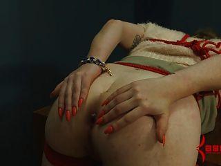 엉덩이 2 : 마른 체질의 마조히스트에 대한 고통스러운 항문 파괴