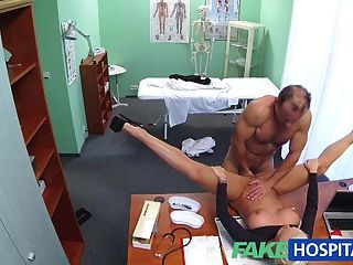 fakehospital 더러운 의사 섹스 busty 포르노 스타