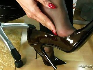 비즈니스 신발에 질내 사정