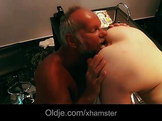 오래된 변태 방귀 섹스 미국의 젊은 베이비 섹스