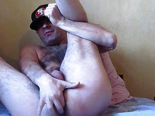 str8 털이 아빠가 그의 고기를 치다.