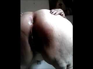 뚱뚱한 브라질 할머니 쇼 엉덩이와 음부