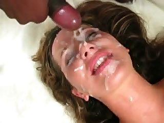 내 얼굴에 정액을 줘.