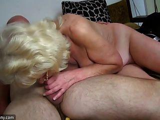 oldnanny 오래 된 할머니는 매우 매우 흥분과 젖은입니다.